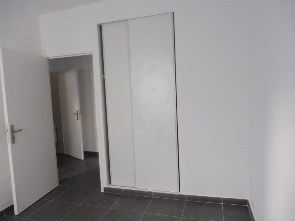 Appartement à louer 2 44.27m2 à Avignon vignette-3