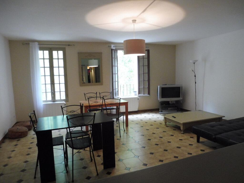 Appartement à louer 2 75m2 à Avignon vignette-2