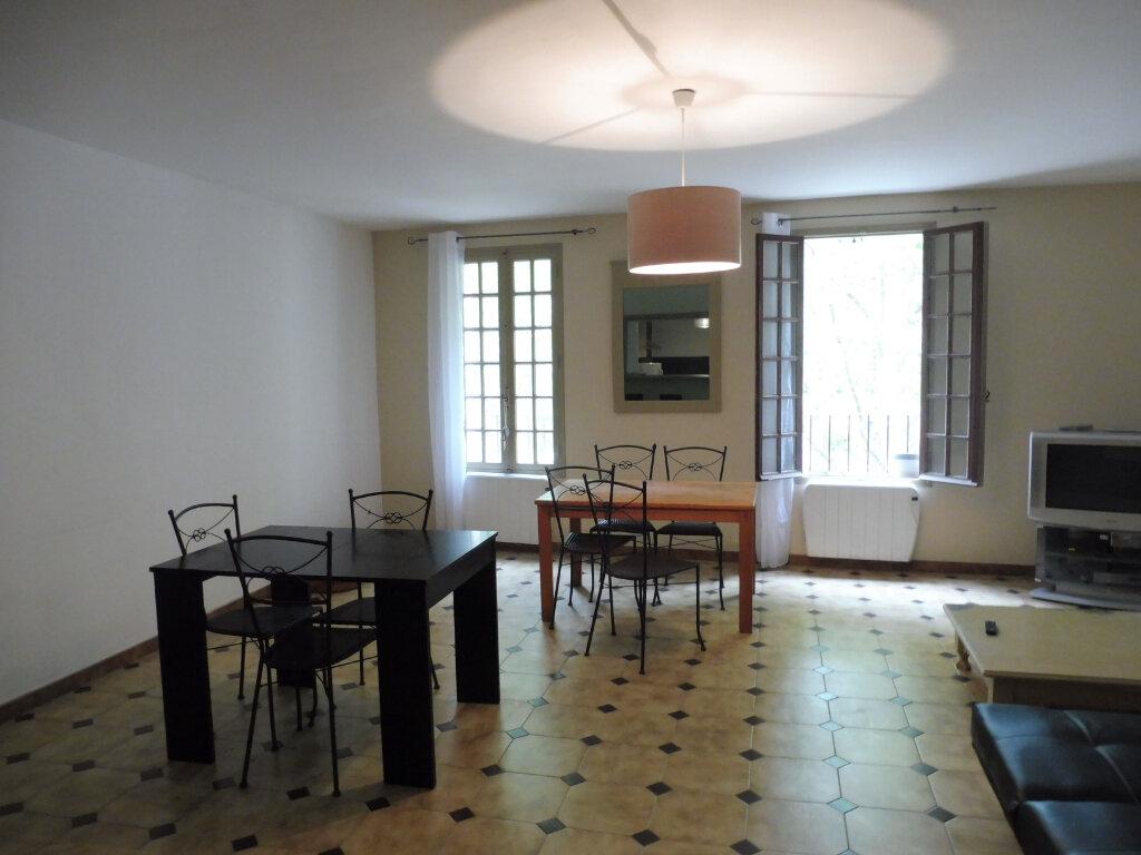 Appartement à louer 2 75m2 à Avignon vignette-3