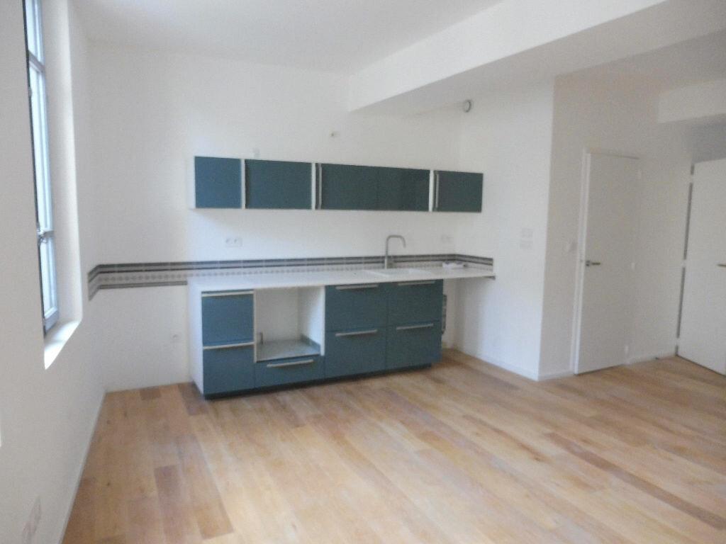Appartement à louer 2 46.92m2 à Avignon vignette-1