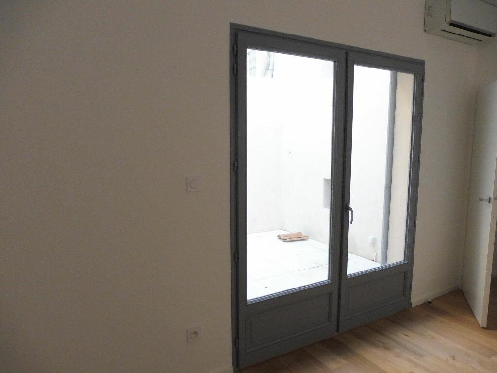 Appartement à louer 2 46.92m2 à Avignon vignette-3