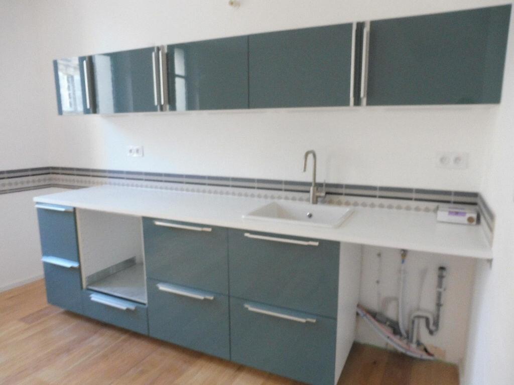 Appartement à louer 2 46.92m2 à Avignon vignette-4