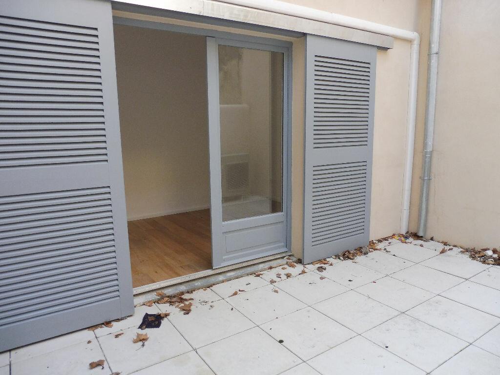 Appartement à louer 2 46.92m2 à Avignon vignette-5
