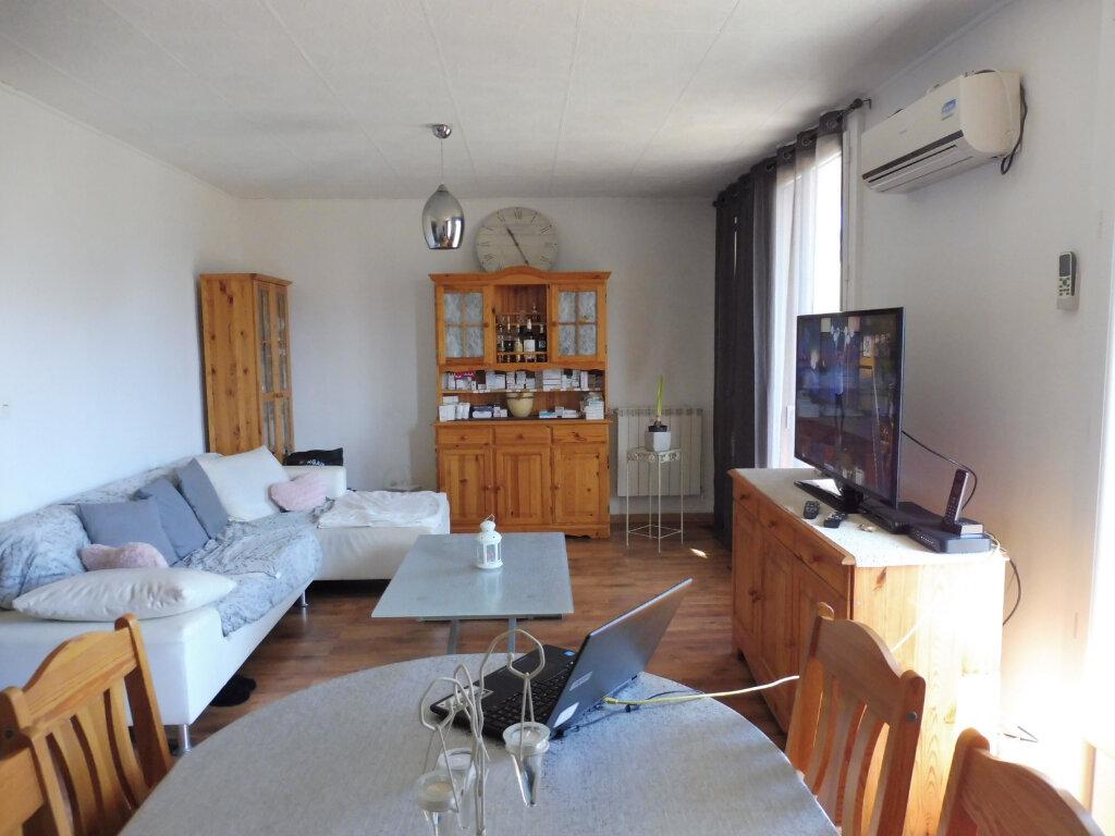 Appartement à louer 3 68.88m2 à Avignon vignette-2