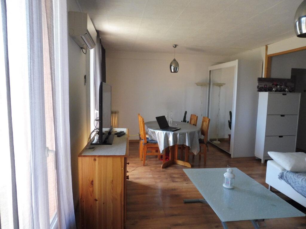 Appartement à louer 3 68.88m2 à Avignon vignette-3