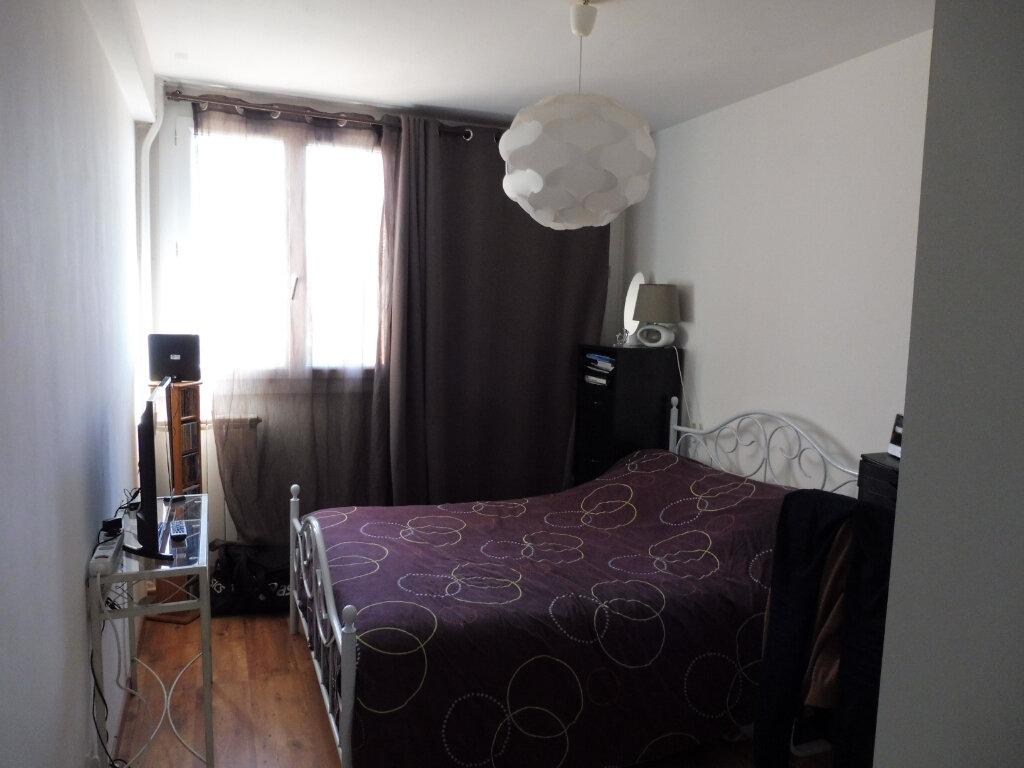 Appartement à louer 3 68.88m2 à Avignon vignette-5