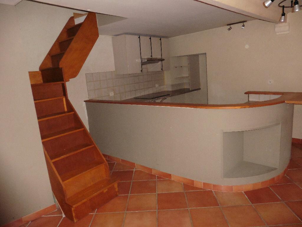Appartement à louer 3 58m2 à Avignon vignette-1