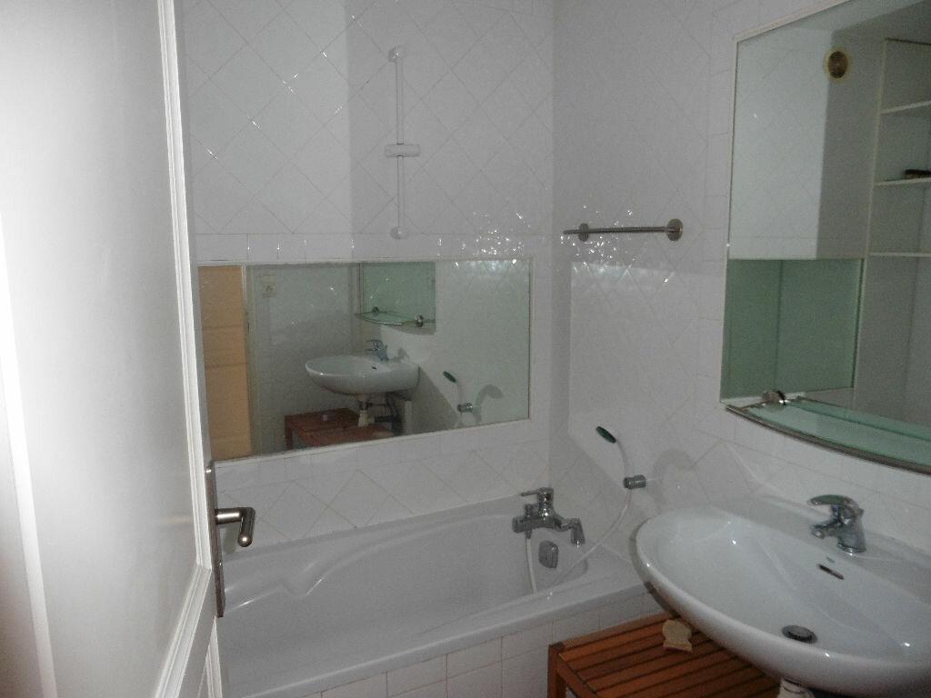 Appartement à louer 3 58m2 à Avignon vignette-11