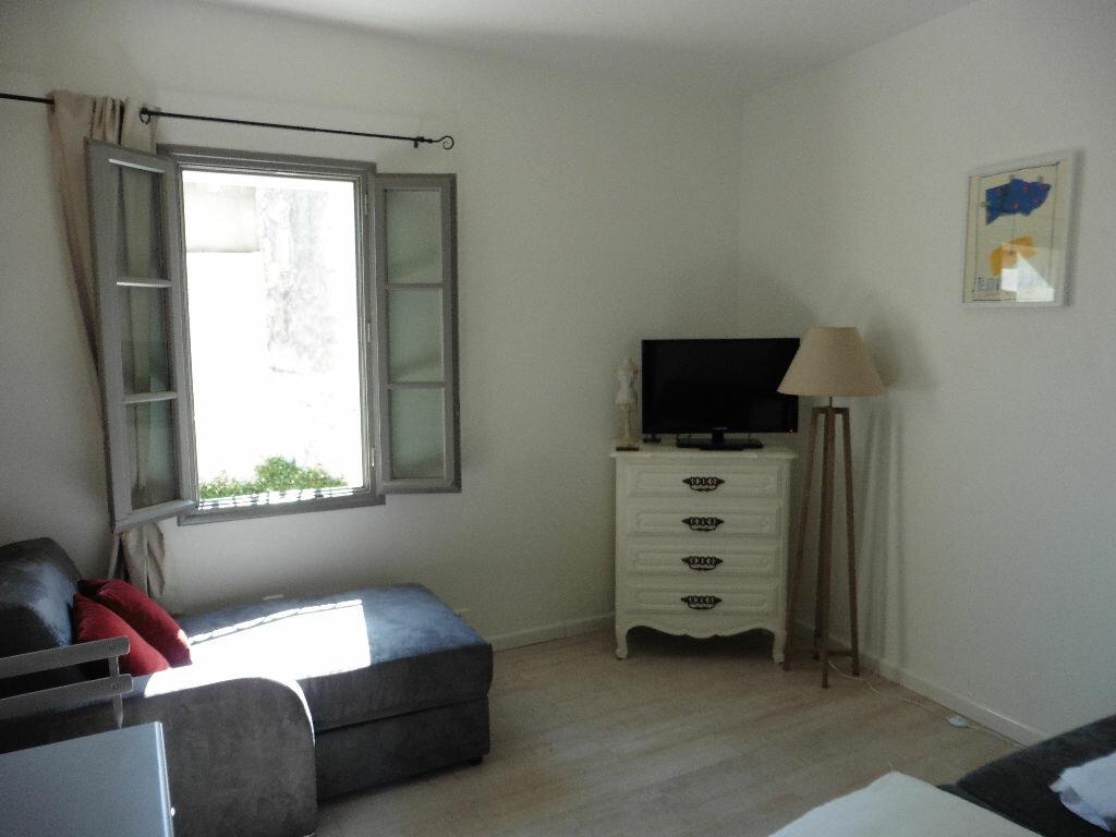 Appartement à louer 1 21m2 à Avignon vignette-1