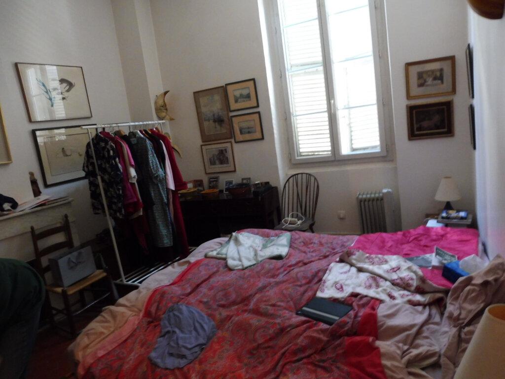 Appartement à vendre 5 94.62m2 à Avignon vignette-4