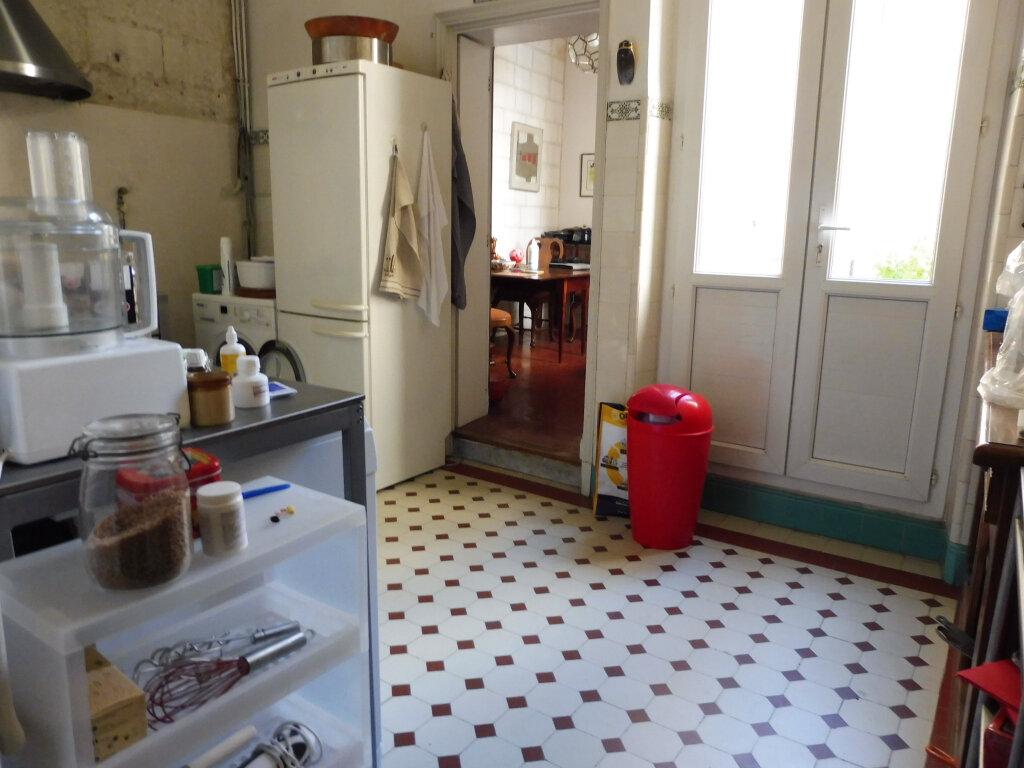 Appartement à vendre 5 94.62m2 à Avignon vignette-5
