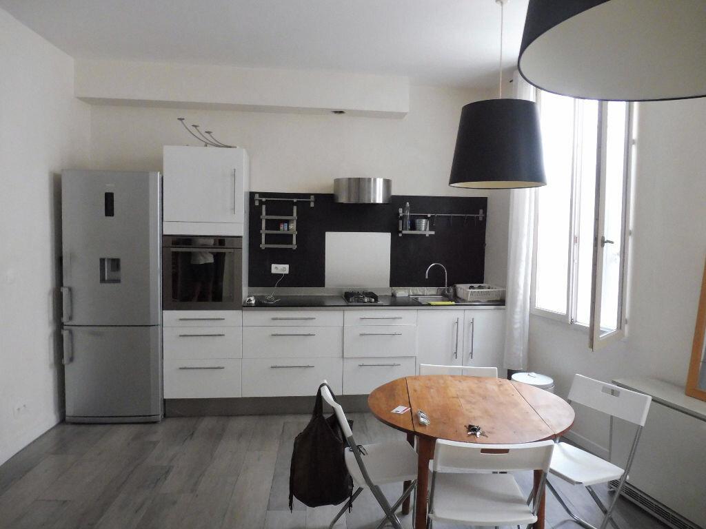 Appartement à louer 3 57m2 à Avignon vignette-2