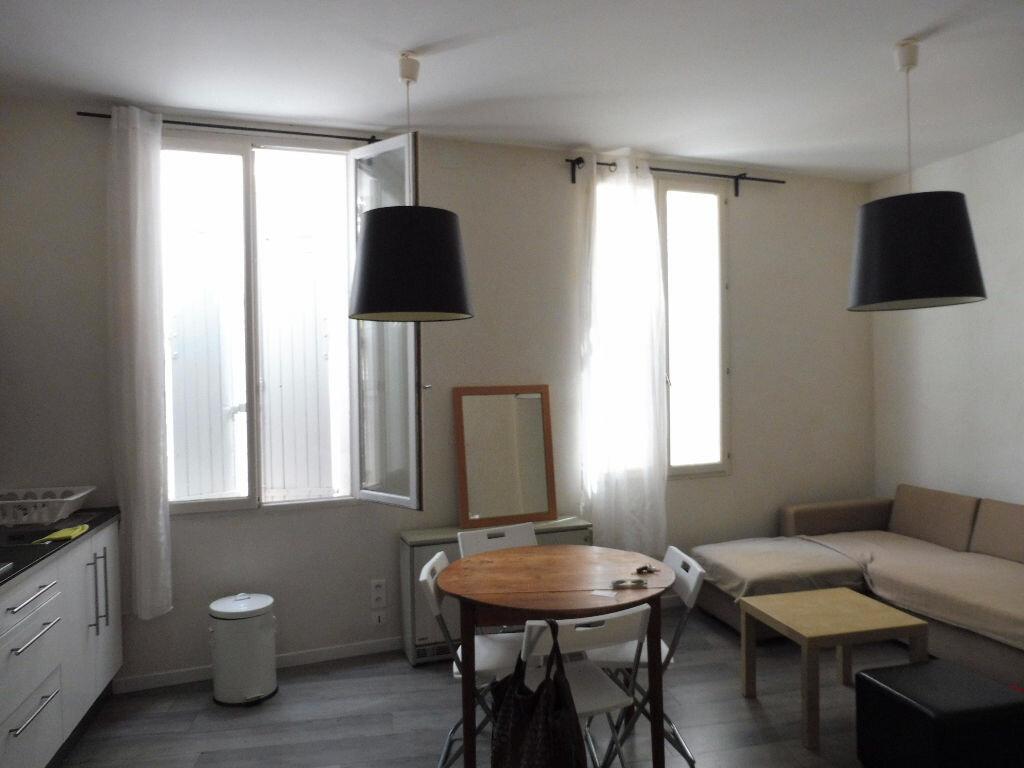 Appartement à louer 3 57m2 à Avignon vignette-3