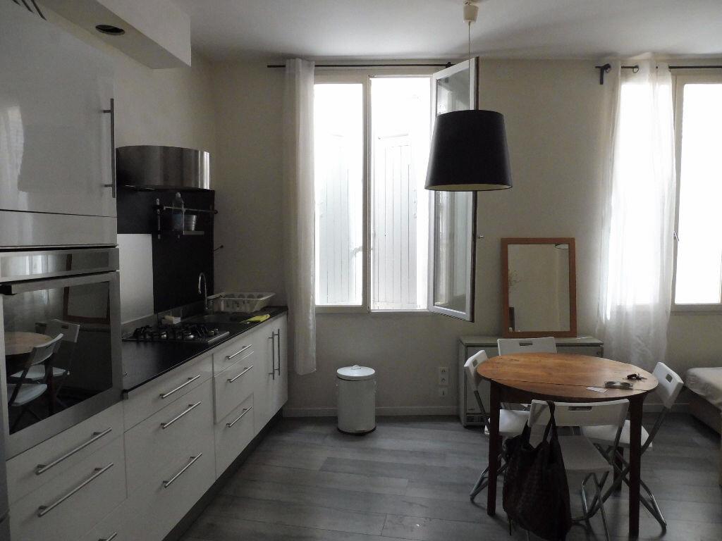 Appartement à louer 3 57m2 à Avignon vignette-4