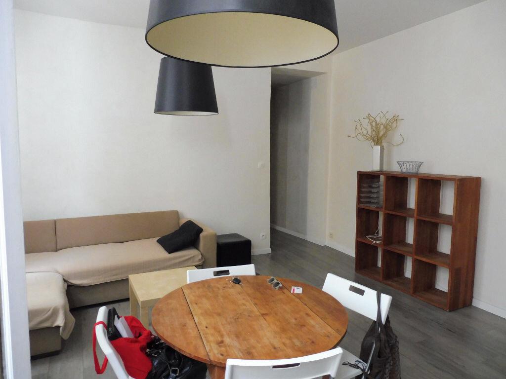 Appartement à louer 3 57m2 à Avignon vignette-5