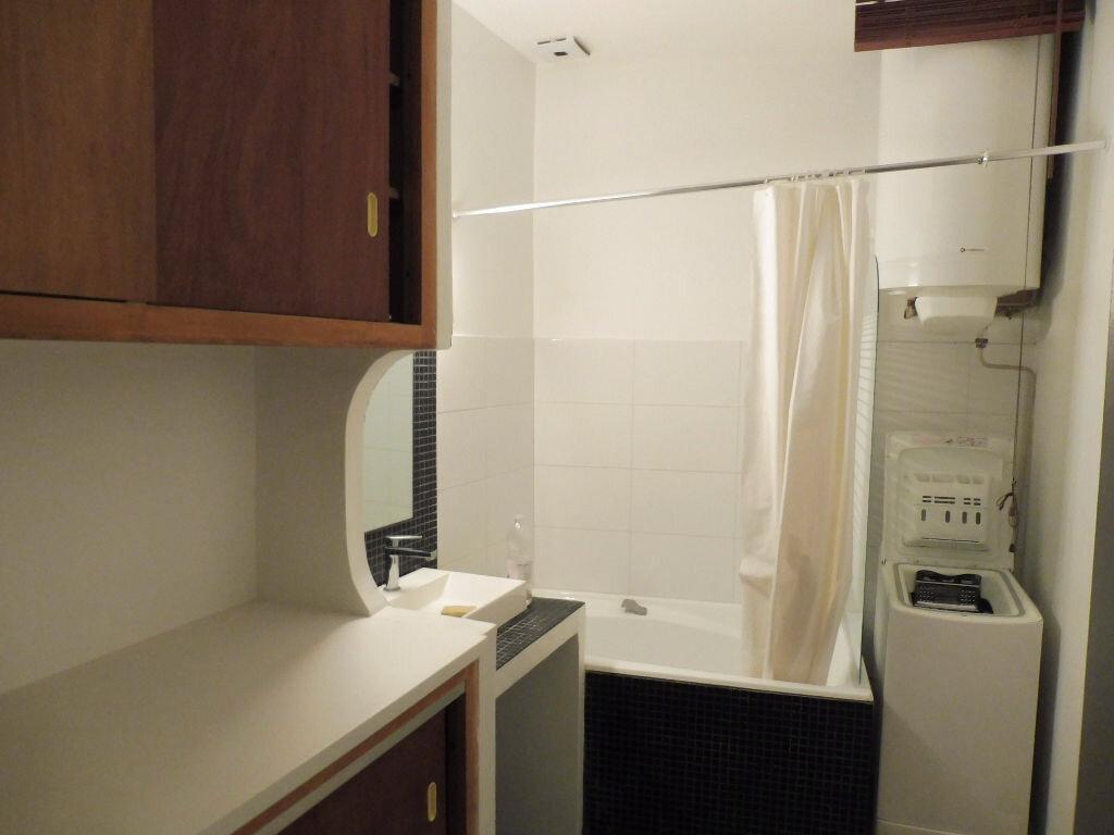 Appartement à louer 3 57m2 à Avignon vignette-9