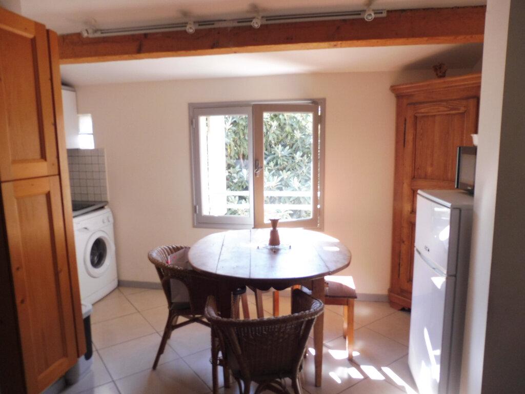 Appartement à louer 2 35m2 à Avignon vignette-1