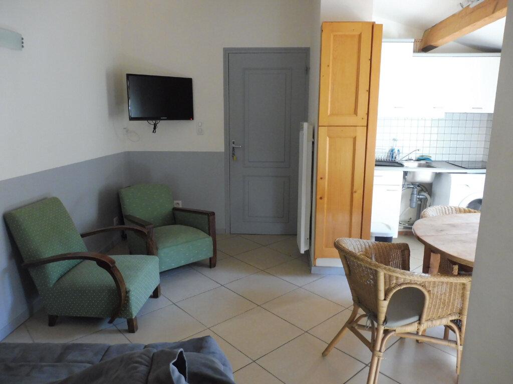 Appartement à louer 2 35m2 à Avignon vignette-6