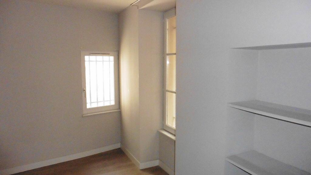 Appartement à louer 2 38.65m2 à Avignon vignette-5