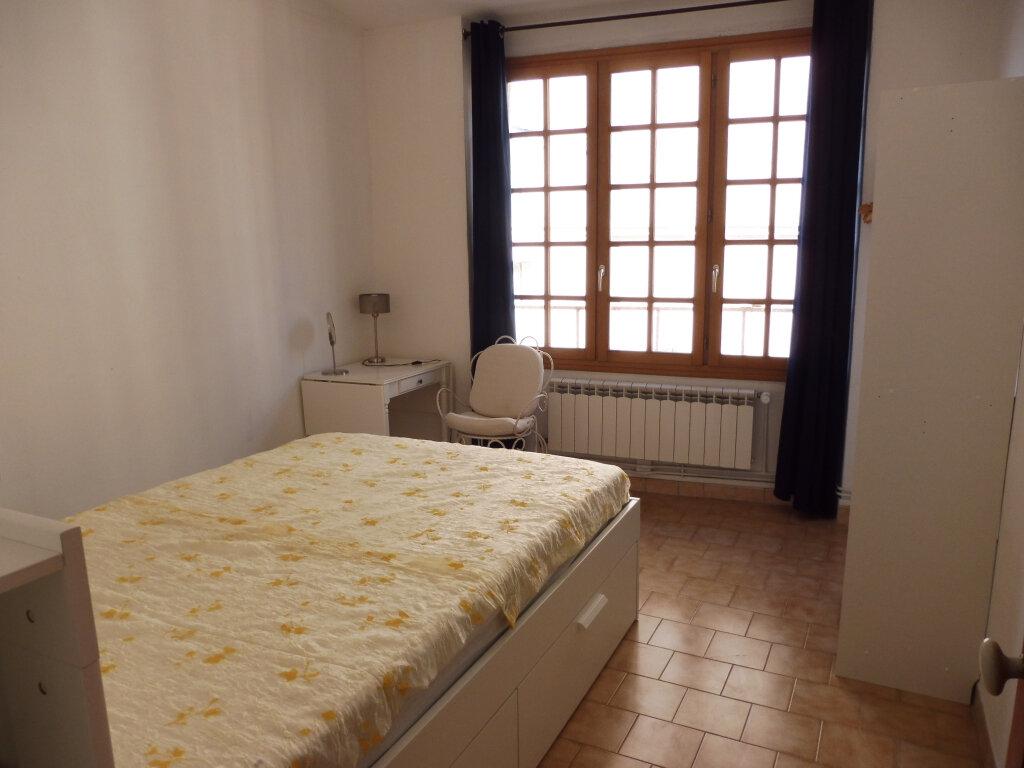 Appartement à louer 3 51.37m2 à Avignon vignette-4