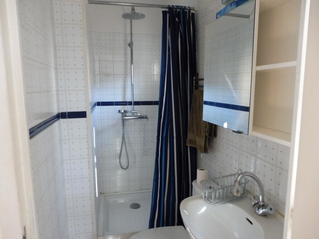 Appartement à louer 3 51.37m2 à Avignon vignette-5