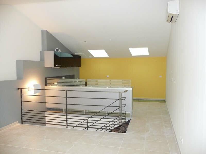 Appartement à louer 3 80m2 à Aramon vignette-1