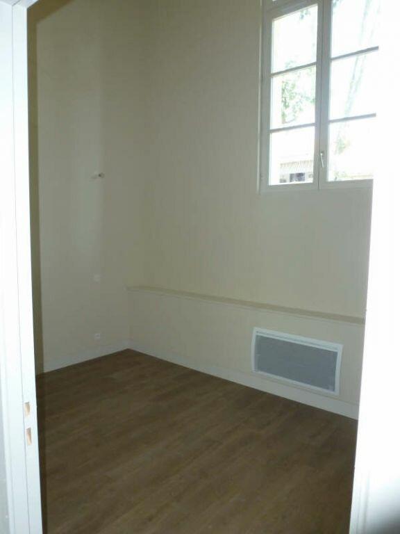 Appartement à louer 3 53.13m2 à Avignon vignette-2