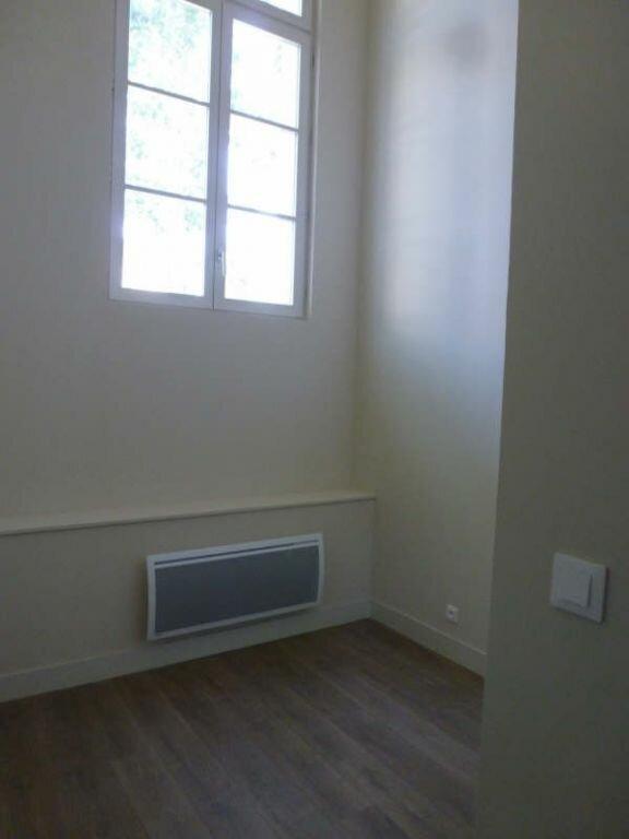 Appartement à louer 3 53.13m2 à Avignon vignette-3