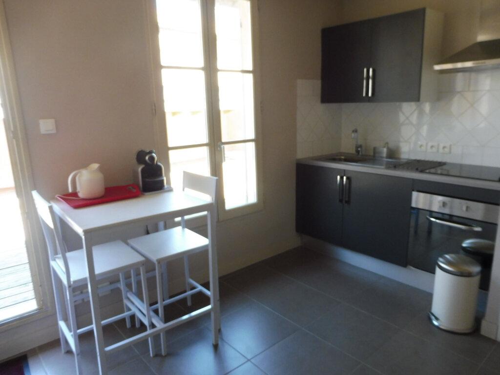 Appartement à louer 1 25m2 à Avignon vignette-4