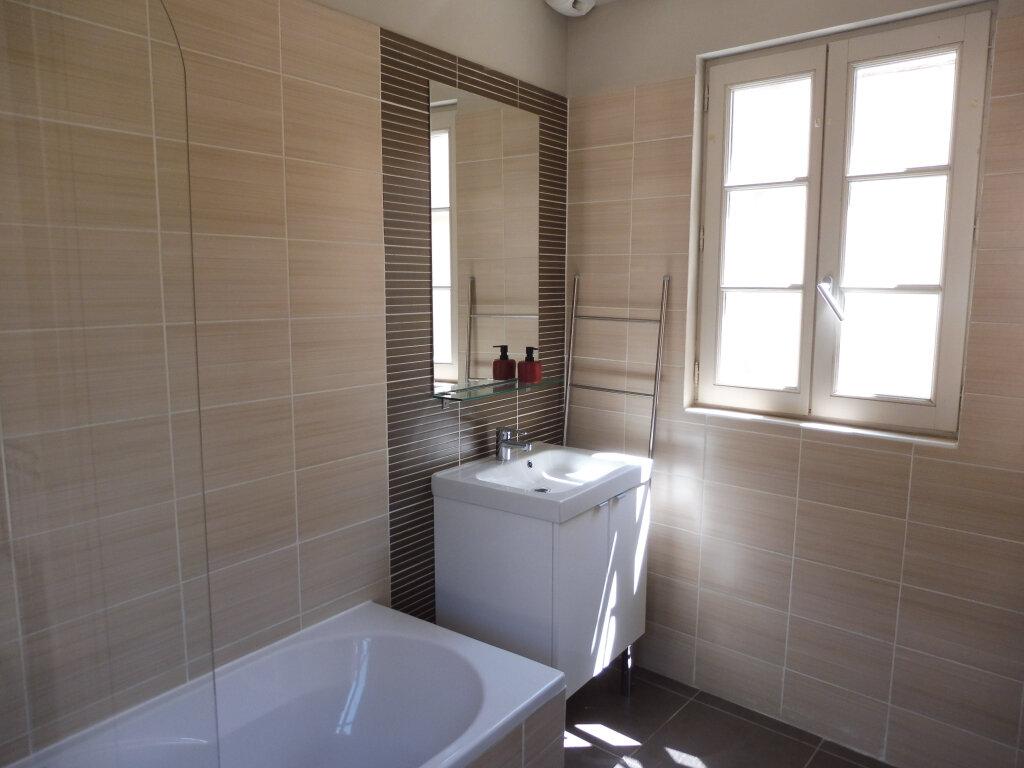 Appartement à louer 1 25m2 à Avignon vignette-6