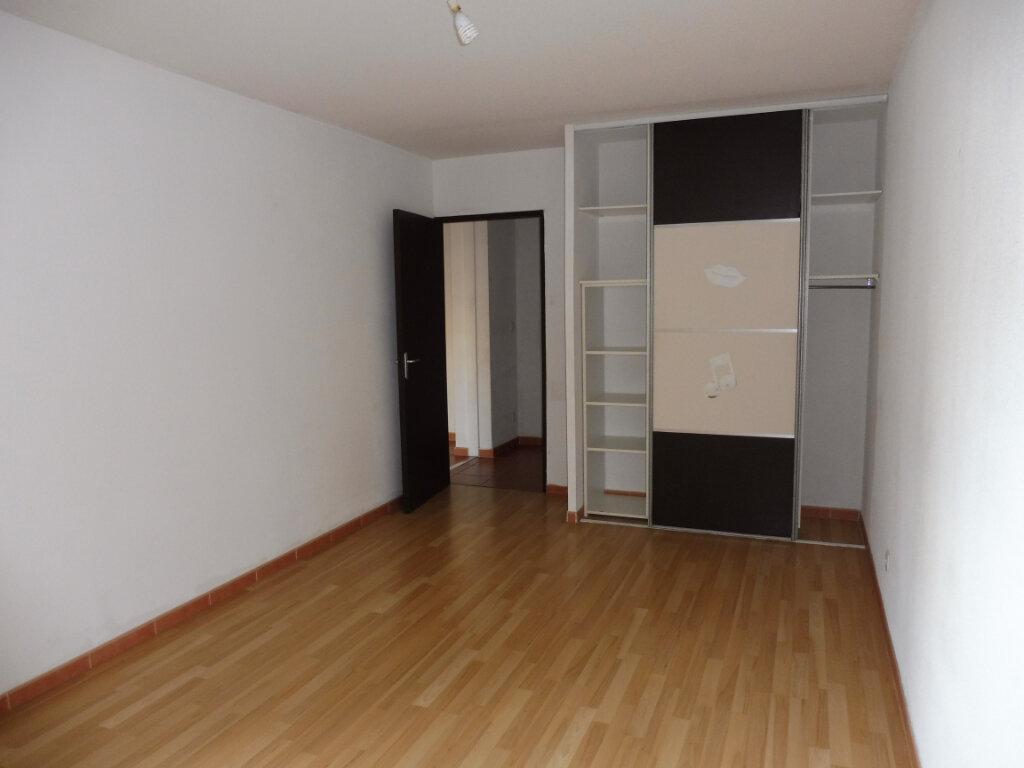 Appartement à louer 2 55m2 à Avignon vignette-4