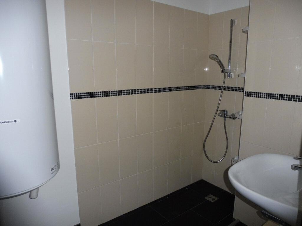 Appartement à louer 2 55m2 à Avignon vignette-5