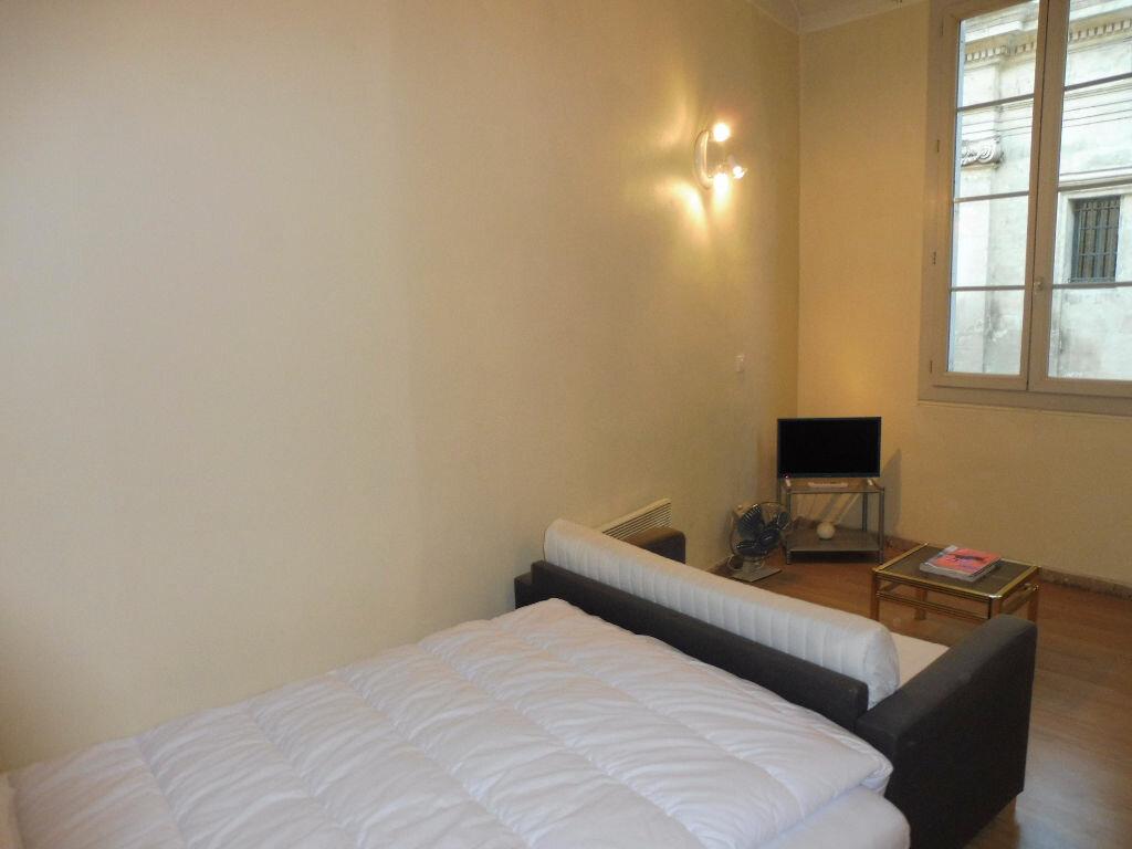 Appartement à louer 1 30m2 à Avignon vignette-2