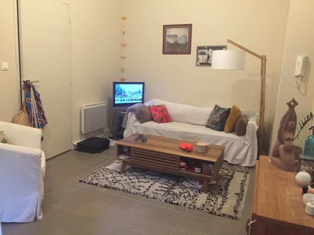 Appartement à louer 2 47.74m2 à Avignon vignette-2