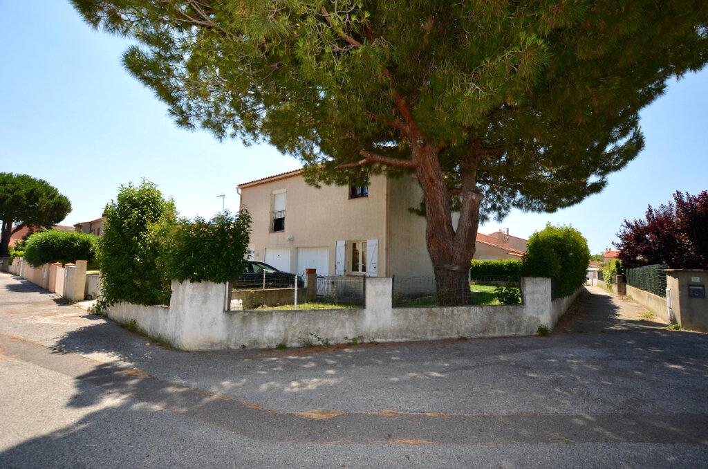 Maison à vendre 7 120m2 à Sainte-Marie vignette-3