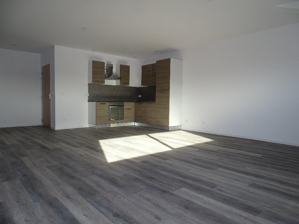 Appartement à louer 3 85m2 à Sainte-Marie vignette-1