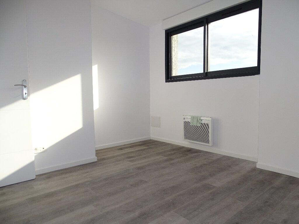 Appartement à louer 5 115m2 à Sainte-Marie vignette-6