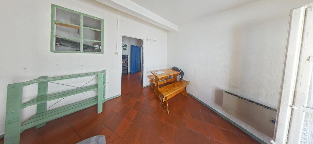 Appartement à louer 1 19m2 à Perpignan vignette-1