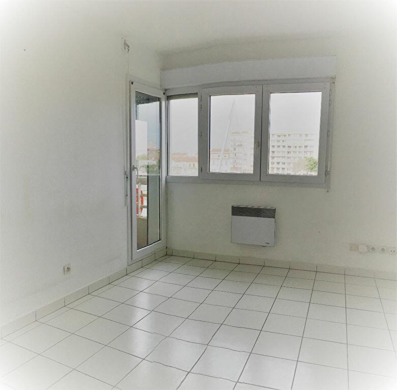 Appartement à louer 1 25.25m2 à Perpignan vignette-3