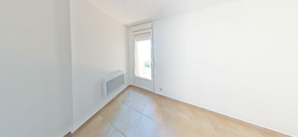 Appartement à louer 3 70m2 à Sainte-Marie vignette-4