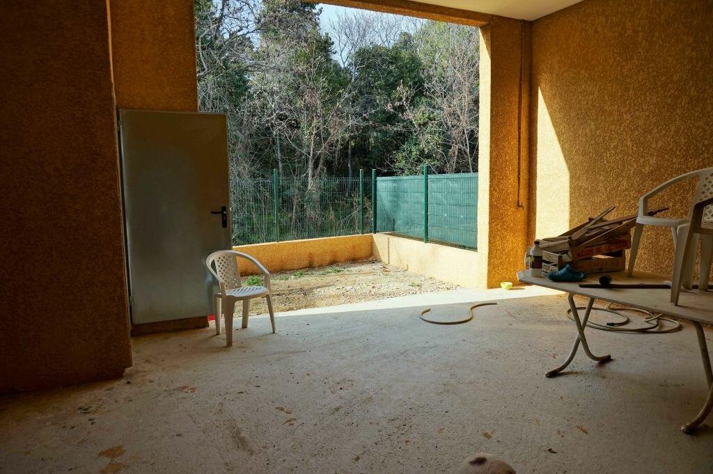 Maison à louer 4 85m2 à Saint-Féliu-d'Avall vignette-9