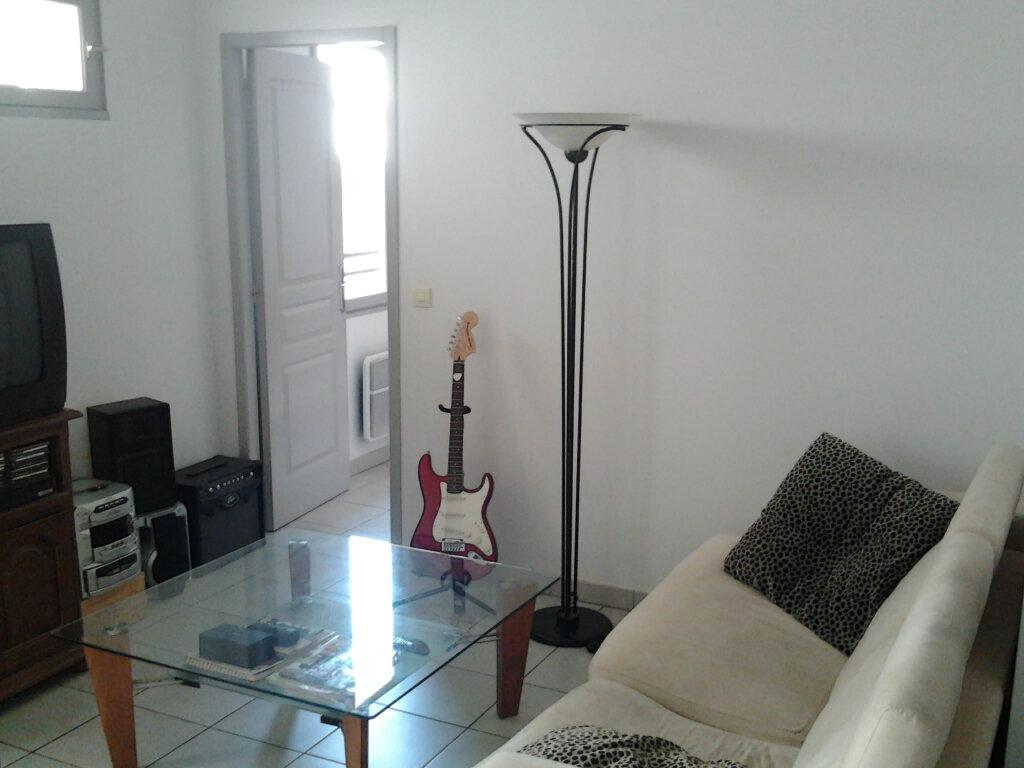 Appartement à louer 2 40m2 à Palau-del-Vidre vignette-3