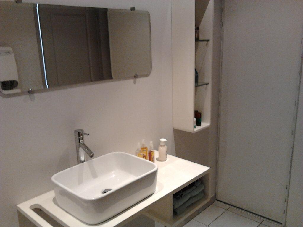 Appartement à louer 2 40m2 à Palau-del-Vidre vignette-4