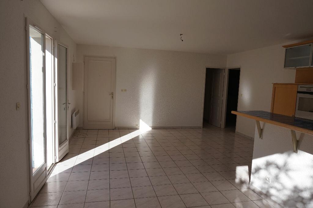 Maison à louer 4 75m2 à Saint-Cyprien vignette-3