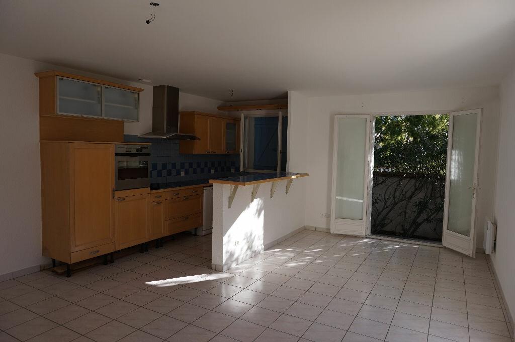 Maison à louer 4 75m2 à Saint-Cyprien vignette-6