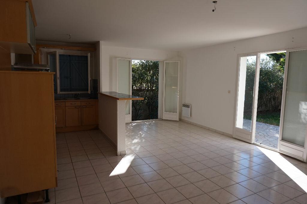 Maison à louer 4 75m2 à Saint-Cyprien vignette-8