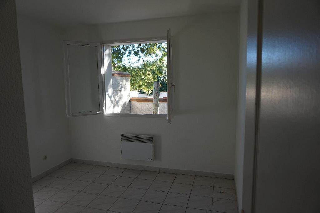 Maison à louer 4 75m2 à Saint-Cyprien vignette-9