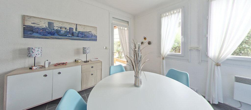 Appartement à louer 3 70m2 à Saint-Cyprien vignette-4