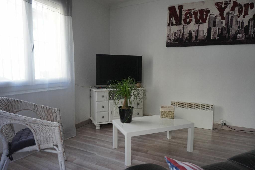 Appartement à louer 3 60m2 à Canohès vignette-2