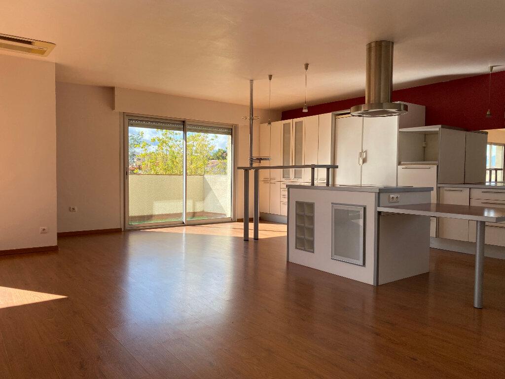 Appartement à vendre 4 113m2 à Perpignan vignette-3